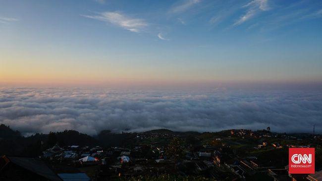 Berikut sejumlah spot untuk menikmati pemandangan negeri di atas awan bagi pendaki pemula.