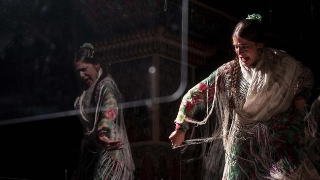 Madrid mulai menggelar pertunjukan drama musikal Flamenco selama pandemi virus corona (Covid-19).