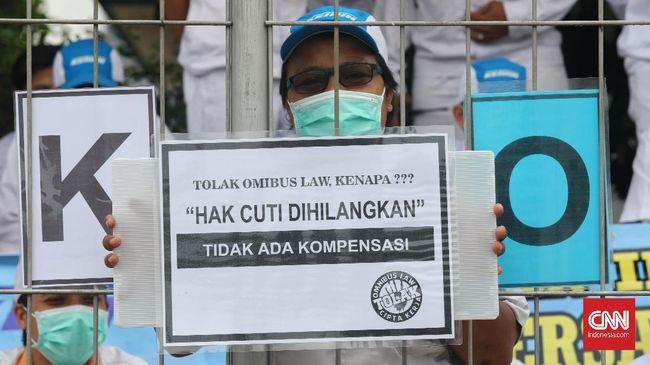 Aliansi Buruh Aceh mengatakan Serambi Mekkah itu memiliki qanun ketenagakerjaan sehingga meminta pemprov untuk berpegang pada kekhususannya, bukan UU Ciptaker.