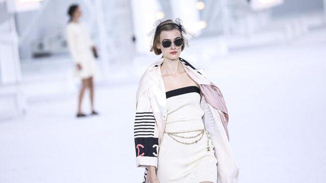 Gelaran pekan mode menghadirkan tren-tren fesyen teranyar. Berikut beberapa inspirasi busana yang bisa Anda sontek.