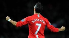 Cavani dan Kutukan Nomor 7 MU Usai Ronaldo Pergi