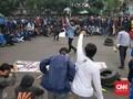 Tolak Omnibus Law, Mahasiswa Bandung Turun ke Jalan Bakar Ban