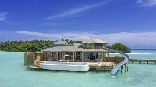Vila di atas air yang terbesar di dunia dibuka di Maldives (Maladewa), tepatnya di Pulau Kunfunadhoo.