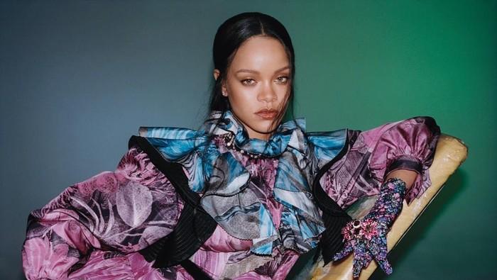 Jadi Musisi Wanita Terkaya, Ini Sederet 'Gudang Uang' Rihanna