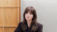 <p>Beberapa bulan belakangan, Song Hye Kyo sering membagikan foto-foto pemotretannya untuk majalah terkemuka di Asia. (Foto: Instagram @kyo1122)</p>