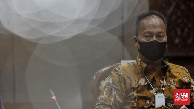 Menteri Perindustrian Agus Gumiwang telah berbicara dengan asosiasi untuk memastikan pasokan gas oksigen medis di rumah sakit yang menangani pasien covid-19.