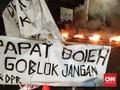 Aksi Mahasiswa di Makassar Diselingi Tawuran Warga