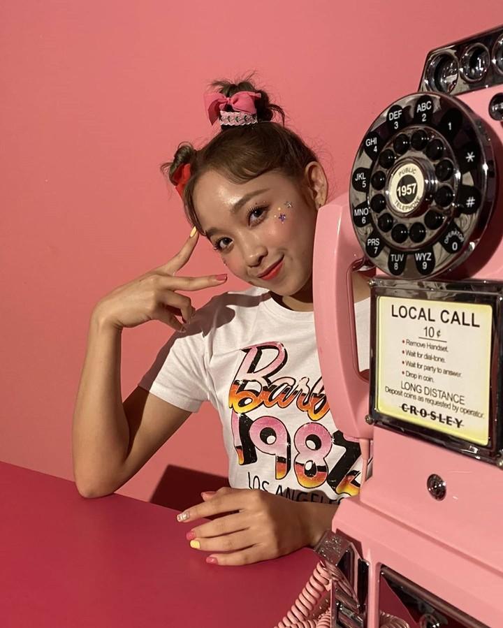 Personal grup idol K-Pop Secret Number asal Indonesia, Dita Karang, resmi ditunjuk sebagai model brand kecantikan Korea. Intip foto-fotonya yuk.