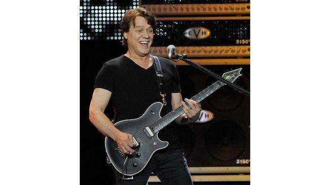 Gitaris legenda Eddie Van Halen meninggal dunia pada Selasa (6/10), berikut lima karya ikonisnya di band Van Halen.