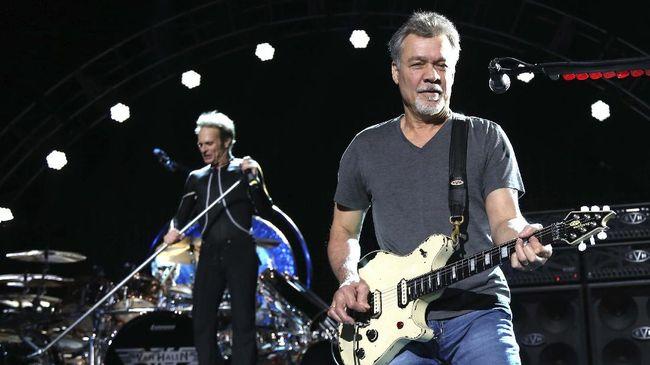 Eddie Van Halen, gitaris grup hard rock ikonis, meninggal dunia di usia 65 tahun dan merupakan seniman dunia berdarah Indonesia.