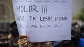 Aksi buruh dan mahasiswa atas RUU Ciptaker yang disahkan dalam rapat paripurna pada 5 Oktober 2020 berlangsung bergelombang di sejumlah wilayah di Indonesia.