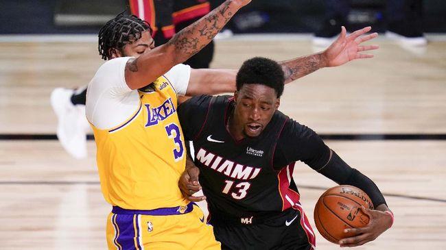 Miami Heat berhasil menaklukkan Los Angeles Lakers dengan skor 111-108 pada game kelima final NBA 2020
