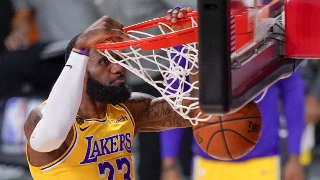 Meninggalnya Kobe Bryant plus skuat yang mewah jadi salah satu alasan Los Angeles Lakers sudah tiba di pintu juara NBA musim ini.