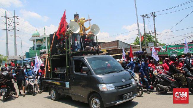 Menko Perekonomian Airlangga Hartarto memastikan aksi unjuk rasa yang dilakukan untuk menentang UU Cipta Kerja ditunggangi elit dan dibiayai.