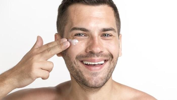 5 Rekomendasi Skincare Anti Aging untuk Pria yang Mudah Didapat