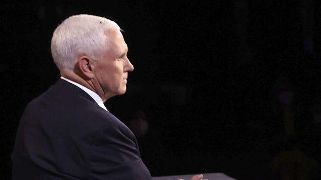 Netizen beri komentar usil soal lalat yang hinggap di kepala Wapres Mike Pence saat debat cawapres AS berlangsung hari ini.