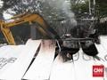FOTO: Sisa-sisa Perusakan Usai Demo Omnibus Law di Jakarta