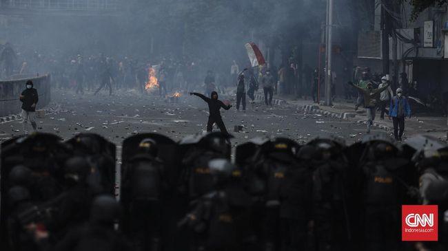 KontraS menyatakan amarah rakyat yang begitu besar dalam gelombang demo omnibus law seharusnya menjadi refleksi bagi pemerintah untuk memperbaiki situasi.