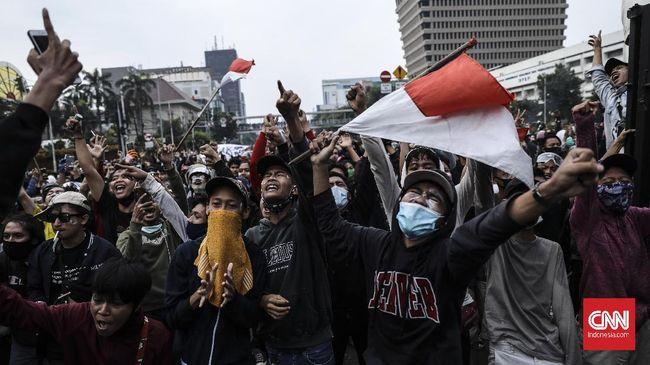 ICMI meminta kepada Jokowi menerbitkan Perppu Cipta Kerja demi merespons berbagai keberatan atas pengesahan UU Cipta Kerja.