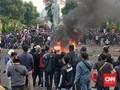Polisi Tangkap Ratusan Pedemo Omnibus Law di Surabaya-Malang