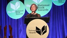 Louise Gluck, dari Puisi Diksi Sederhana ke Nobel Sastra