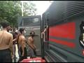 VIDEO: Polisi Tangkap Puluhan Remaja Demo Omnibus di Jakarta