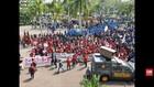 VIDEO: Bentrokan Massa dan Polisi Warnai Unjuk Rasa Pontianak