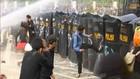 VIDEO: Massa Ingin ke Istana Dihalau, Demo di Harmoni Ricuh