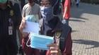 VIDEO: Kedapatan Pakai Masker, Dapat Hadiah Rp50 Ribu