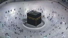 FOTO: Arab Saudi Kembali Buka Umrah 1 November