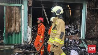 Permukiman Padat Penduduk di Dekat Mal Senayan City Terbakar