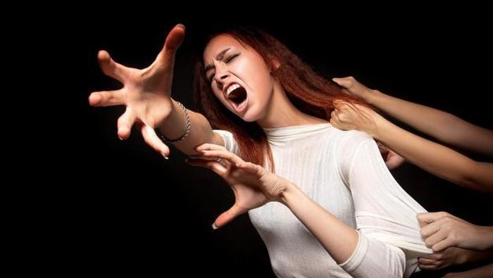 Cara Menolong Seseorang yang Mengalami Panic Attack