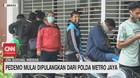 VIDEO: Pendemo Mulai Dipulangkan Dari Polda Metro Jaya
