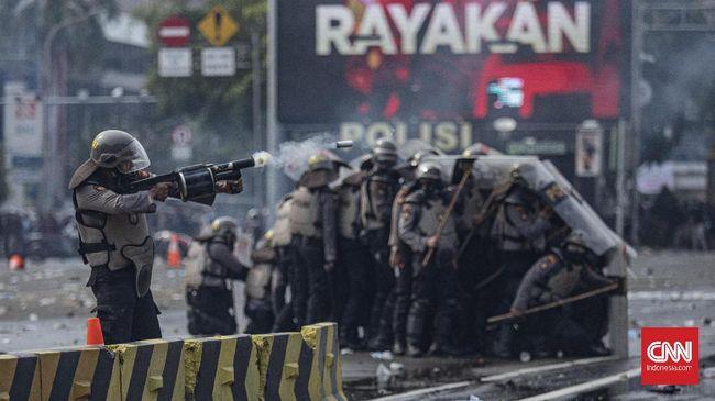 Polri mengatakan jurnalis hanya perlu menunjukkan identitas saat meliput demo jika ingin dilindungi aparat kepolisian di lapangan.