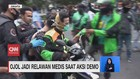VIDEO: Ojol Jadi Relawan Medis saat Demo