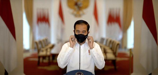 Presiden Jokowi diminta untuk menunda Pilkada terkait dengan risiko penularan Covid-19 dan lebih memprioritaskan penanganan pandemi.