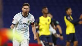 FOTO: Messi Cetak Gol Kemenangan Argentina vs Ekuador