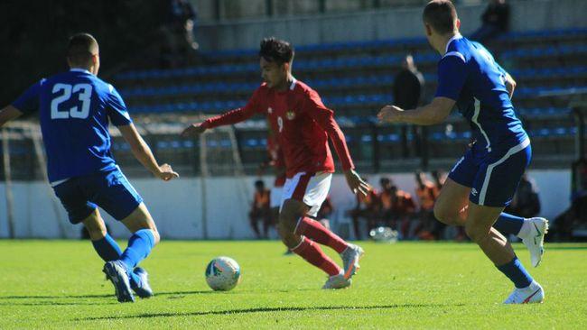 Dua pemain muda Indonesia, Brylian Aldama dan David Maulana meraih gelar juara Piala County Junior Kroasia musim 2021/2022, Rabu (13/10) waktu setempat.