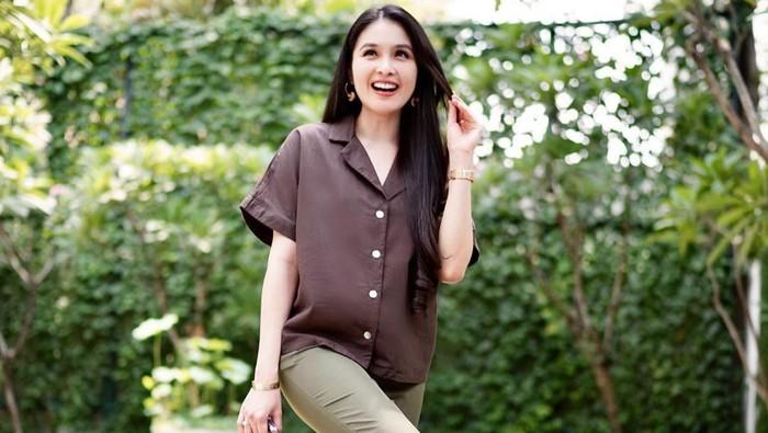 6 Ide Gaya Fashion Earth Tone Colour, Simpel Tapi Classy