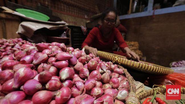Sebagian besar harga pangan kembali meroket awal pekan ini, Senin (2/8). Kenaikan dipimpin oleh bawang merah dan bawang putih.