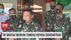 VIDEO: TNI Bantah Berikan Tameng Kepada Demonstrans