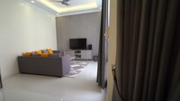 <p>Tak cuma satu vila, ia memiliki komplek vila berhektar-hektar yang terdiri belasan unit vila. Ia menyebutkan dalam YouTube Raffi Ahmad, di kompleknya itu, ia memiliki vila dengan kamar dua sebanyak 11 unit, 5 kamar sebanyak 1 unit, ada juga yang 3 kamar, dan 4 kamar. (Foto: YouTube Rans Entertainment)</p>