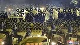 FOTO: Korea Utara Pamer Rudal Balistik Terbaru