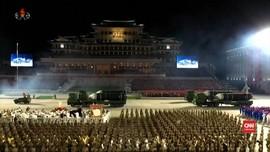 VIDEO: Parade Militer Korut, Pamer Rudal Balistik antar Benua