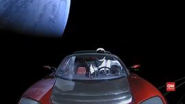 VIDEO: Mobil Tesla yang Angkut Starman Mendekati Mars