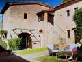 VIDEO: Bermalam dalam Vila Romantis di Tuscany
