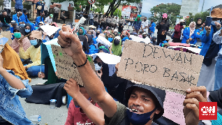 Demo di DPRD Maluku, Warga Adat Usir Perusahaan Tambang