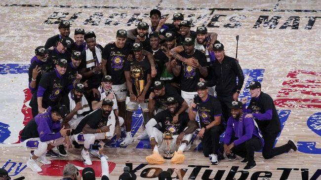 LA Lakers mempersembahkan kado indah bagi mendiang Kobe Bryant dengan menjadi juara NBA 2020 usai mengalahkan Miami Heat 4-2.