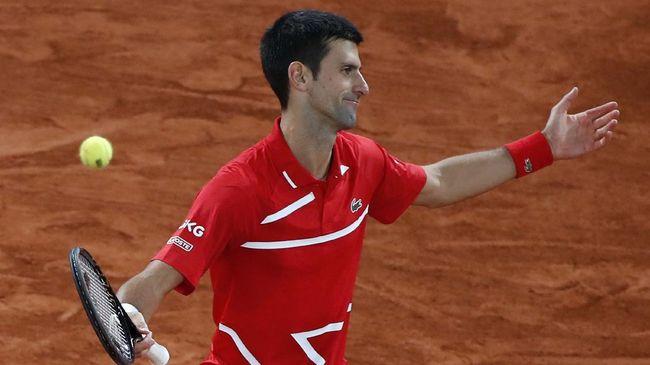 Novak Djokovic dan Naomi Osaka sama-sama lolos ke perempat final Australia Open usai mengandaskan lawan masing-masing di babak delapan besar.