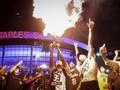 FOTO : Pesta Juara Lakers Berujung Rusuh